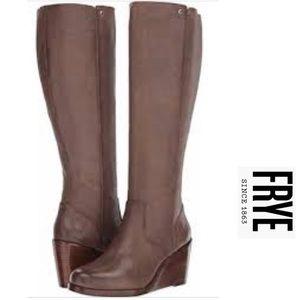 """NWT Frye """"Emma"""" Boots in Grey"""